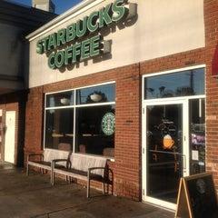 Photo taken at Starbucks by Eugenio on 10/8/2012