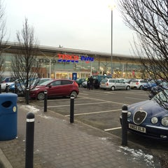 Photo taken at Tesco Extra by Roger N. on 2/7/2015
