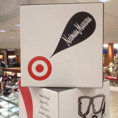 Photo taken at Neiman Marcus by Dan W. on 12/4/2012