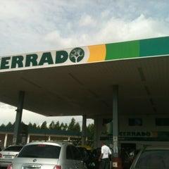Photo taken at Auto Posto Cerrado by Aisla A. on 12/9/2012