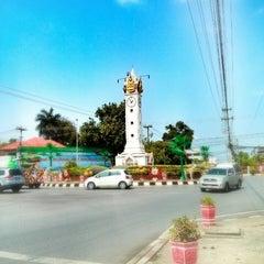 Photo taken at หอนาฬิกาเมืองมหาสารคาม (Maha Sarakham Clock Tower) by ทหารเรือสี่หก ท. on 3/22/2014