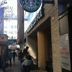 Photo taken at Starbucks by Erçin Ö. on 11/5/2012