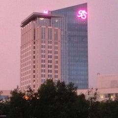 Photo taken at Turning Stone Resort Casino by Tim R. on 7/8/2013