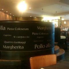 Das Foto wurde bei Pizza Coloseum Budějovická von Monika V. am 10/11/2012 aufgenommen