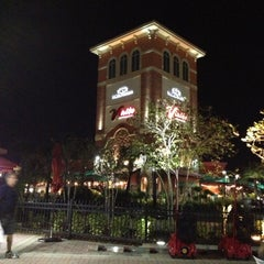Photo taken at Orlando International Premium Outlets by Rudolf S. on 10/23/2012