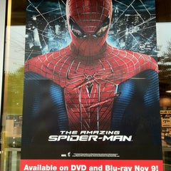 Photo taken at Blockbuster by Lao A. on 10/28/2012