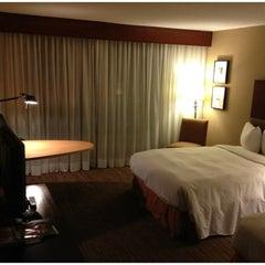 Photo taken at Hilton Toronto by Ivan H. on 12/1/2012