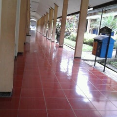 Photo taken at Fakultas Ilmu Administrasi (FIA) by Faizatur Rosyadah on 1/18/2013