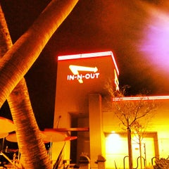 Photo taken at In-N-Out Burger by Marco S. on 12/15/2012