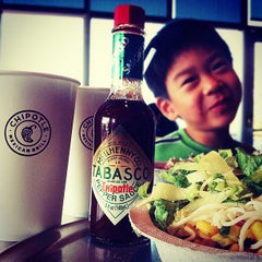 Photo taken at Chipotle Mexican Grill by pete k. on 8/28/2012