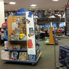 Photo taken at Barnes & Noble by Peter M. on 7/18/2013