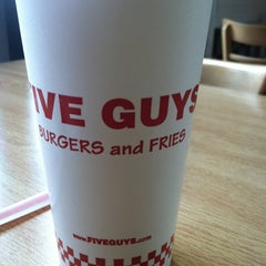 Photo taken at Five Guys by Adelia Barnes S. on 5/30/2013