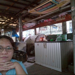 Photo taken at Bakso Kumis by Dame P. on 12/29/2013