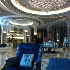 Photo taken at The Ritz-Carlton, Riyadh by Yasser A. on 10/13/2012