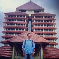 Photo taken at Rektorat Universitas Indonesia by Nu Z. on 5/2/2014