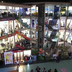 Photo taken at Portal 80 by Alejandro G. on 10/27/2012