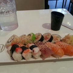 Photo taken at Super Sushi by Cesar d. on 4/21/2013