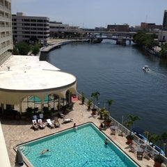 Photo taken at Sheraton Tampa Riverwalk Hotel by Curt E. on 4/13/2013