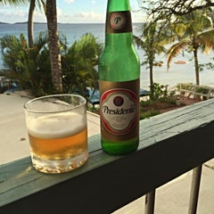 Photo taken at Bolongo Bay Beach Resort by Ken G. on 12/26/2015