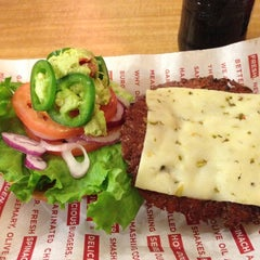 Photo taken at Smashburger by Takao N. on 12/10/2012