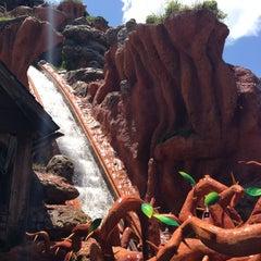 Photo taken at Splash Mountain by Melanie A. on 7/7/2013