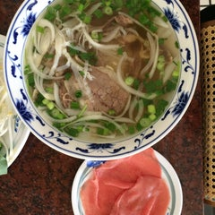 Photo taken at Pho Long Thinh by Vy N. on 9/5/2015