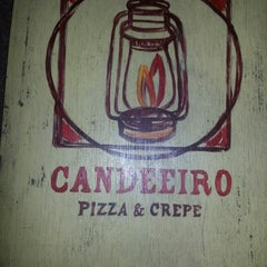 Photo taken at Candeeiro Pizza & Crepe by Renata G. on 10/14/2012