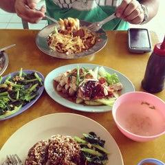 Photo taken at Melawati Food Square by Haze J. on 4/14/2013