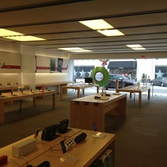 Photo taken at Apple Store, Suburban Square by Kevin on 12/1/2012