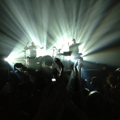 Photo taken at Terminal 5 by R . on 11/16/2012
