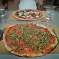 Photo taken at Pizzeria da Totò by Jano W. on 6/22/2015