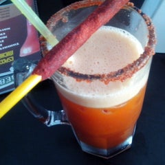 Photo taken at Bebedero (Chelas & Drinks) by Rafael C. on 10/9/2013