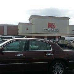 Photo taken at BJ's Wholesale Club by Louis W. on 3/3/2013