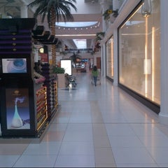 Photo taken at Landmark Mall | اللاندمارك by » ₳  M  € « on 11/20/2012