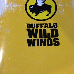Photo taken at Buffalo Wild Wings by Mayra R. on 2/2/2013