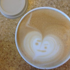 Photo taken at Starbucks by jan... on 6/22/2013