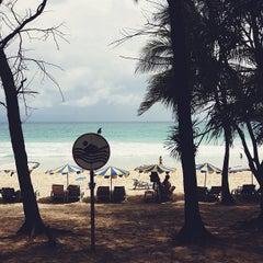 Photo taken at หาดกะตะ (Kata Beach) by kavinwxn on 5/25/2013