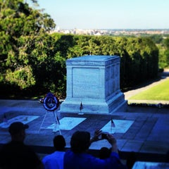 Photo taken at Tomb of the Unknowns by Carlos O. on 5/26/2013