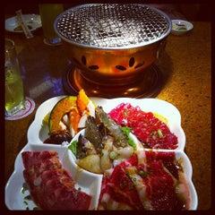 Photo taken at Sukishi Bar B Q (ซูกิชิ บาร์บีคิว) by Naran N. on 11/6/2012