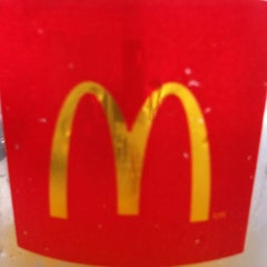 Photo taken at McDonald's by Rogério C. on 11/20/2012