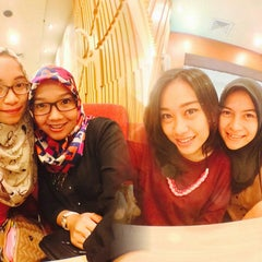 Photo taken at Pizza Hut by Mustika T. on 11/2/2014
