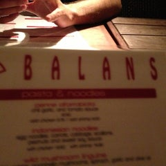 Photo taken at Balans Restaurant & Bar, Biscayne by Aylen G. on 11/11/2012