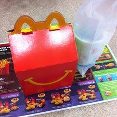 Photo taken at McDonald's & McCafé (แมคโดนัลด์ & แมคคาเฟ่) by Noina K. on 7/9/2013