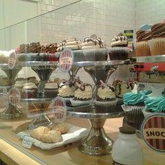 Photo taken at The White Mountain Cupcakery by Nicki S. on 12/20/2013