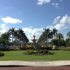 Photo taken at The Breakers Palm Beach by meera m. on 12/26/2012
