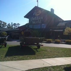 Photo taken at Bass Pro Shops by Whitney S. on 11/10/2012