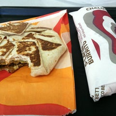 Photo taken at Taco Bell by Vincent A. on 10/13/2012