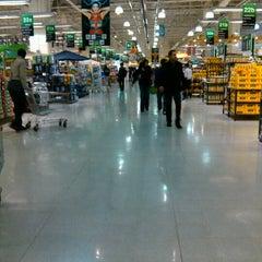 Photo taken at Jumbo by Mauricio on 10/22/2012