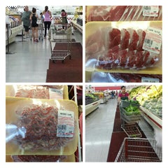 Photo taken at Lee Lee International Supermarket by Samson L. on 5/7/2013
