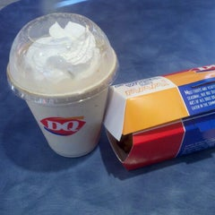 Photo taken at Dairy Queen by Evin G. on 9/14/2012